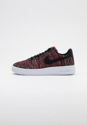 AIR FORCE FLYKNIT  - Baskets basses - university red/black/wolf grey/white