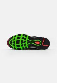 Nike Sportswear - AIR MAX 97 UNISEX - Sneakers laag - black/green strike/flash crimson/white/off noir/blue fury - 4