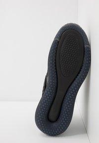 Nike Sportswear - AIR MAX 720 SLIP  OBJ - Sneakersy niskie - black/total orange - 4
