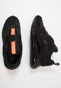 Nike Sportswear - AIR MAX 720 SLIP  OBJ - Sneakersy niskie - black/total orange - 1