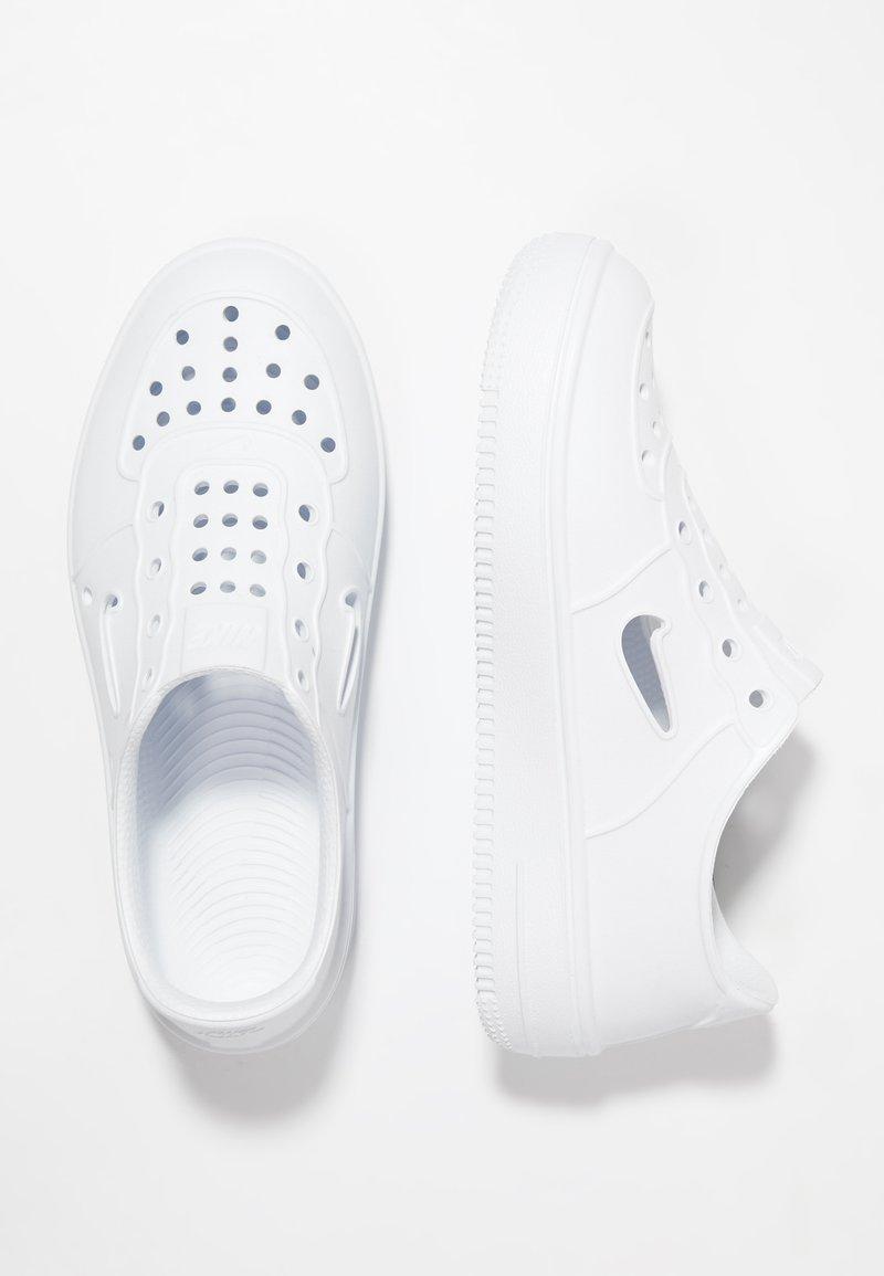 Nike Sportswear - FOAM FORCE 1 - Półbuty wsuwane - white