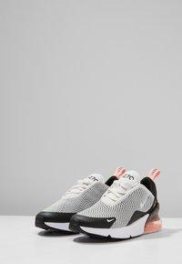 Nike Sportswear - AIR MAX 270 - Zapatillas - platinum tint/white/black/bleached coral - 2