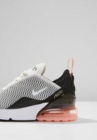 Nike Sportswear - AIR MAX 270 - Zapatillas - platinum tint/white/black/bleached coral - 5