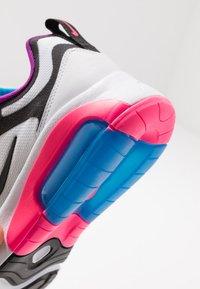 Nike Sportswear - AIR MAX 200 - Baskets basses - white/black/hyper pink/photo blue - 2
