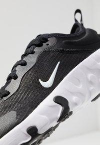 Nike Sportswear - RENEW LUCENT - Sneakers basse - black/white - 2