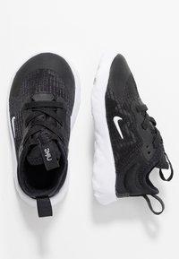 Nike Sportswear - RENEW LUCENT - Scarpe senza lacci - black/white - 0
