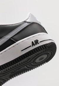 Nike Sportswear - AIR FORCE 1 - Baskets basses - black/wolf grey/white - 2