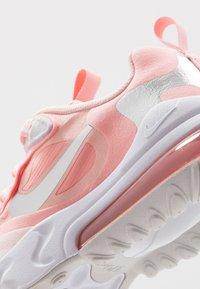 Nike Sportswear - AIR MAX 270 REACT GG GEL - Sneakersy niskie - bleached coral/white echo pink/vast grey/metallic silver - 2