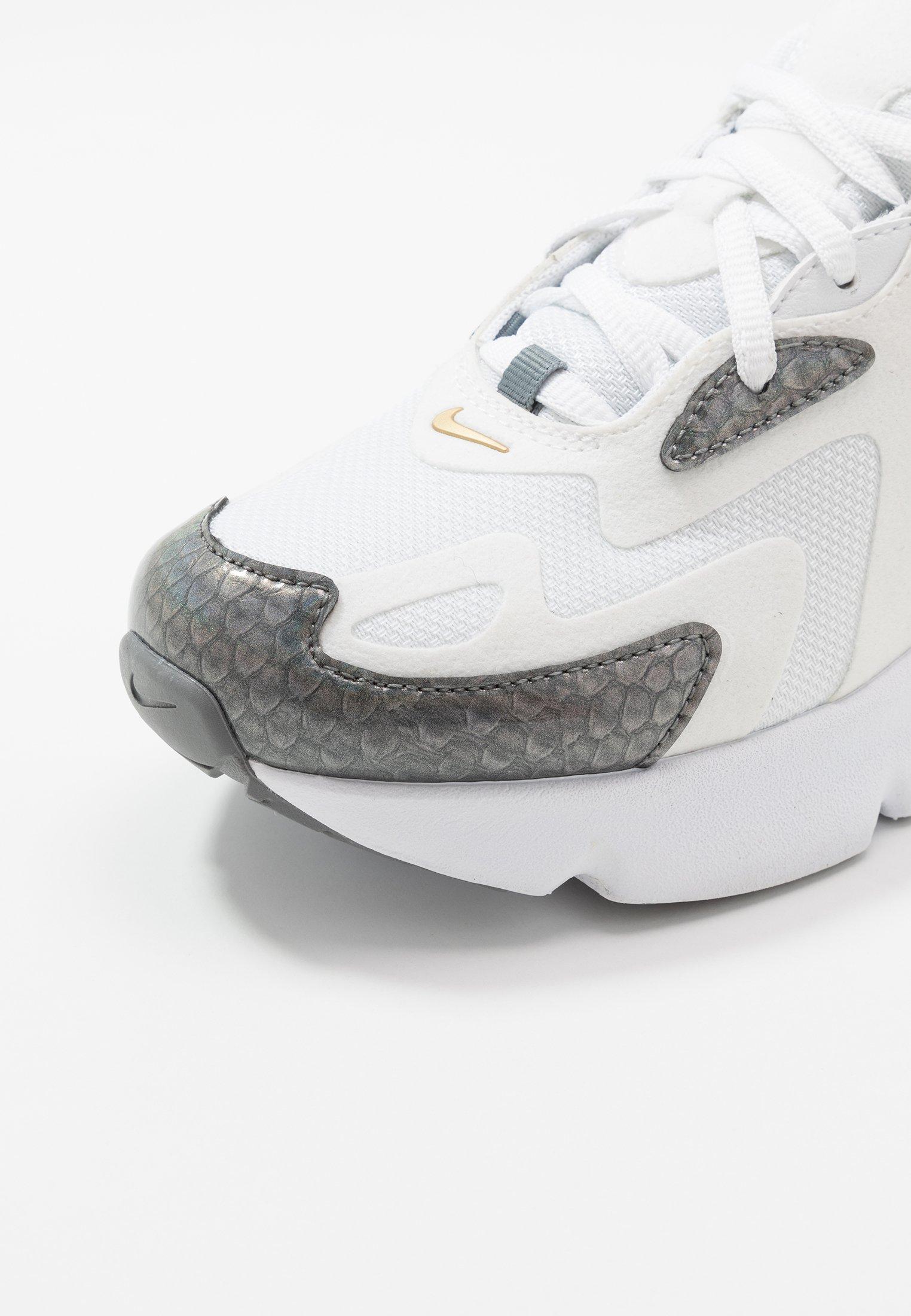 Nike Sportswear AIR MAX 200 Joggesko whitemetallic gold
