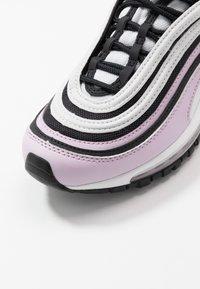 Nike Sportswear - AIR MAX 97 - Tenisky - iced lilac/black/photon dust/white - 2
