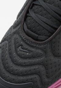 Nike Sportswear - AIR MAX 720 - Tenisky - off noir/cosmic fuchsia/iced lilac - 2