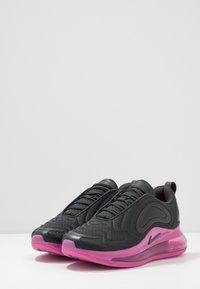 Nike Sportswear - AIR MAX 720 - Tenisky - off noir/cosmic fuchsia/iced lilac - 3