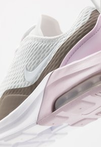 Nike Sportswear - AIR MAX MOTION - Trainers - photon dust/white/iced lilac/smoke - 2