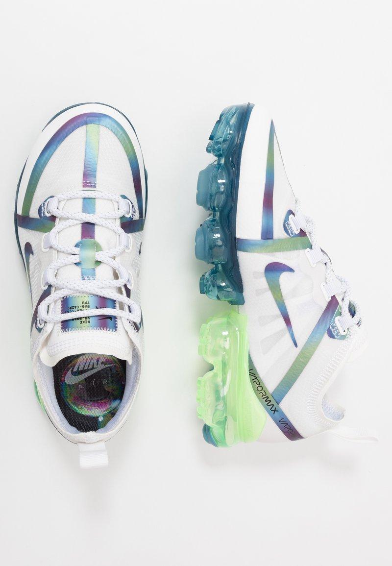 Nike Sportswear - AIR VAPORMAX 2019 BG - Tenisky - summit white/multicolor/white