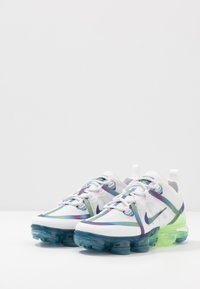 Nike Sportswear - AIR VAPORMAX 2019 BG - Tenisky - summit white/multicolor/white - 3