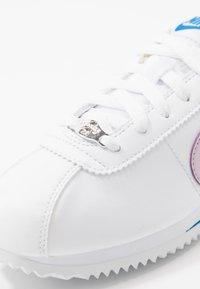 Nike Sportswear - CORTEZ BASIC - Zapatillas - white/iced lilac/soar/metallic silver - 2