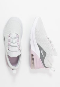 Nike Sportswear - AIR MAX MOTION 2 - Półbuty wsuwane - photon dust/white/iced lilac/smoke - 0