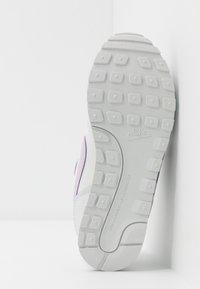 Nike Sportswear - MD RUNNER 2 - Baskets basses - photon dust/iced lilac/off noir/white - 5