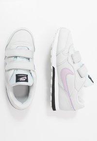 Nike Sportswear - MD RUNNER 2 - Baskets basses - photon dust/iced lilac/off noir/white - 0