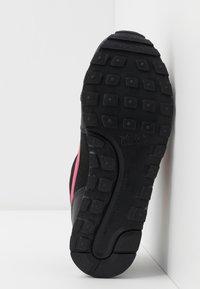 Nike Sportswear - MD RUNNER 2 - Zapatillas - black - 5