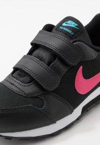 Nike Sportswear - MD RUNNER 2 - Zapatillas - black - 2