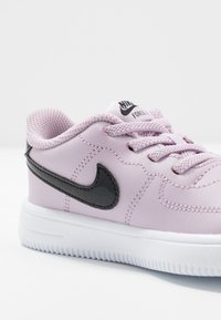Nike Sportswear - FORCE 1 '18  - Sneakers laag - iced lilac/black/white - 2