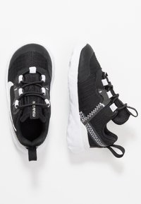 Nike Sportswear - RENEW ELEMENT 55 - Slip-ons - black/white/anthracite - 0