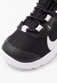 Nike Sportswear - RENEW ELEMENT 55 - Slip-ons - black/white/anthracite