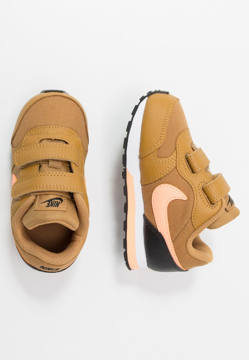 Nike Sportswear - RUNNER 2 - Baskets basses - wheat/orange pulse/black/white