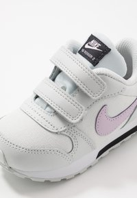 Nike Sportswear - RUNNER 2 - Baskets basses - photon dust/iced lilac/off noir/white - 2