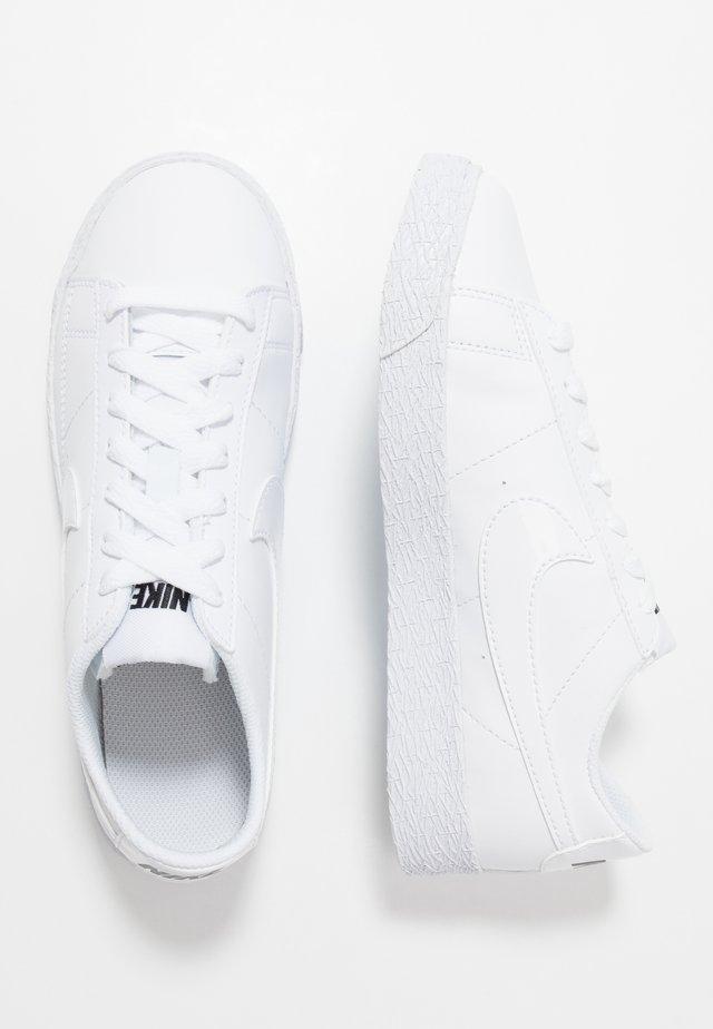 BLAZER - Sneakers - white/black