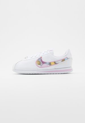 CORTEZ BASIC  - Zapatillas - white/light arctic pink/metallic silver