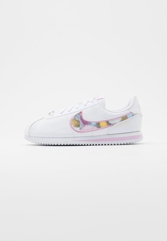 CORTEZ BASIC  - Sneakersy niskie - white/light arctic pink/metallic silver