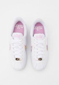 Nike Sportswear - CORTEZ BASIC  - Zapatillas - white/light arctic pink/metallic silver - 3