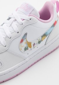 Nike Sportswear - COURT BOROUGH  - Sneakers basse - white/multicolor/light arctic pink - 5
