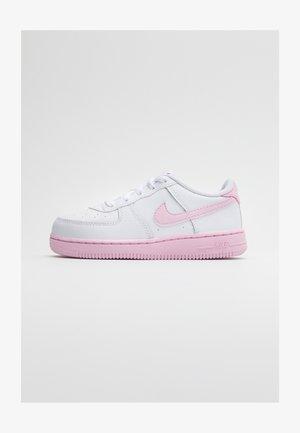 AIR FORCE 1 BRICK - Sneaker low - white/pink