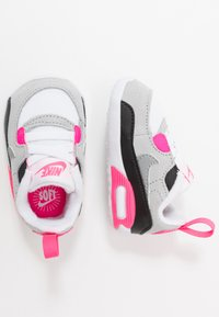 Nike Sportswear - NIKE MAX 90 CRIB - Babysko - white/particle grey/light smoke grey/hyper pink/black - 0