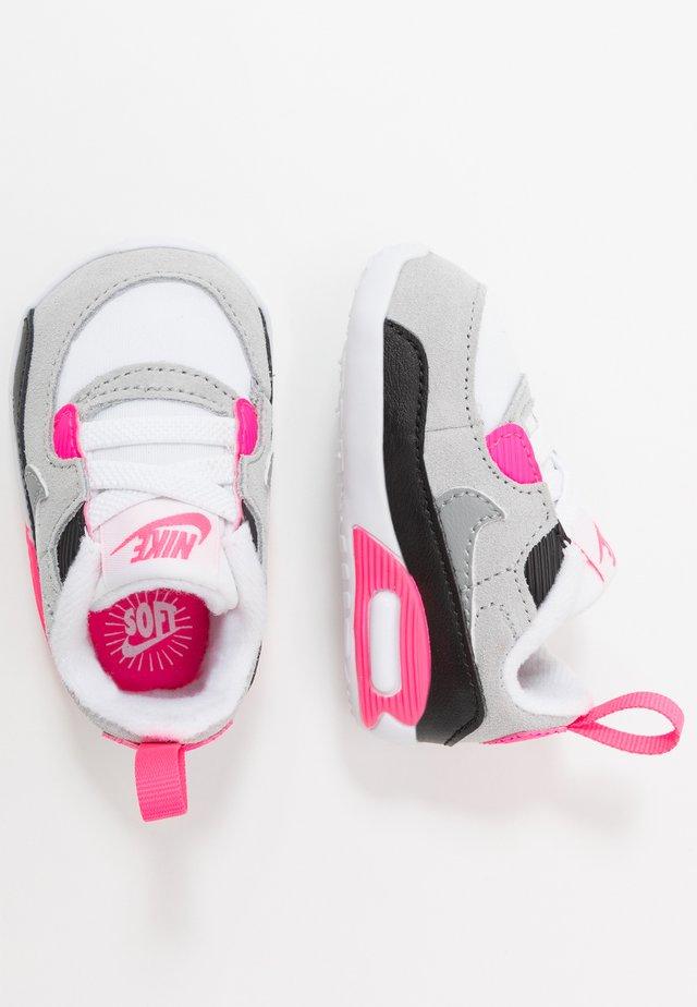 NIKE MAX 90 CRIB - Chaussures premiers pas - white/particle grey/light smoke grey/hyper pink/black