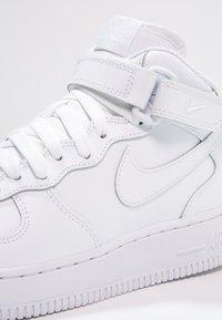 Nike Sportswear - AIR FORCE 1 - Høye joggesko - white - 5