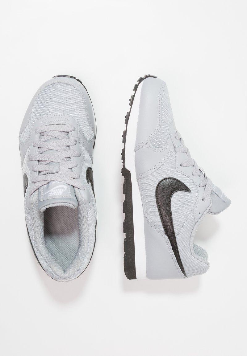 Nike Sportswear - MD RUNNER 2 - Sneaker low - wolf grey/black/white