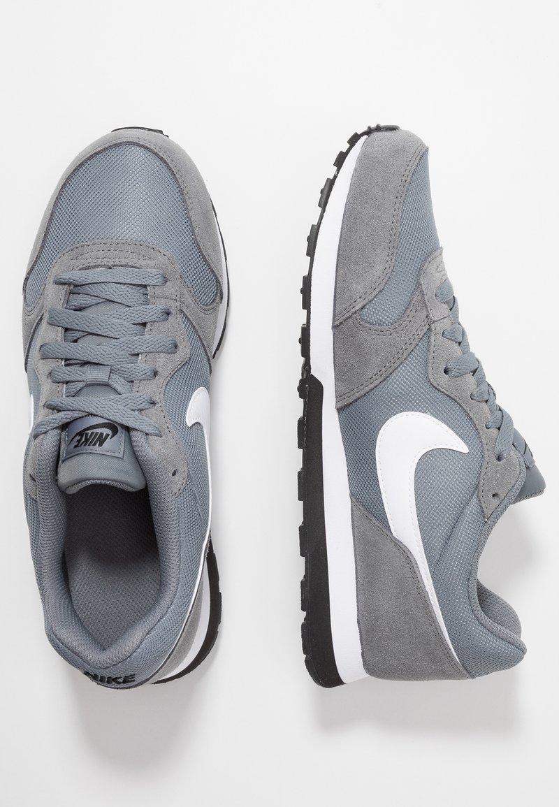 Nike Sportswear - MD RUNNER 2 - Trainers - cool grey/white/black