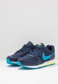Nike Sportswear - MD RUNNER 2 - Tenisky - obsidian/voltage green/lucid green - 3
