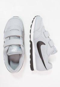 Nike Sportswear - MD RUNNER 2 BPV - Trainers - wolf grey/black/white - 0