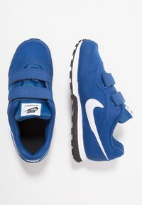 Nike Sportswear - MD RUNNER 2 BPV - Baskets basses - gym blue/white/black - 0