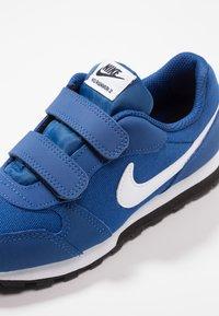 Nike Sportswear - MD RUNNER 2 BPV - Baskets basses - gym blue/white/black - 2
