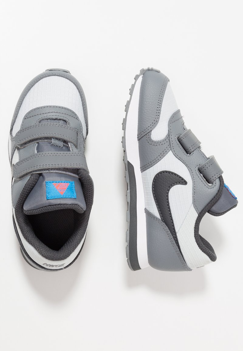 Nike Sportswear - MD RUNNER 2  - Babyschoenen - pure platinum/anthracite/cool grey/photo blue