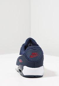 Nike Sportswear - AIR MAX 90 - Tenisky - midnight navy/white/universal red/obsidian - 4