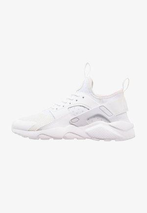 AIR HUARACHE RUN ULTRA - Sneakers laag - white
