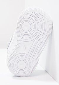 Nike Sportswear - Sneaker low - white - 4