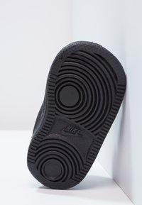 Nike Sportswear - COURT BOROUGH  - Obuwie do nauki chodzenia - black - 4